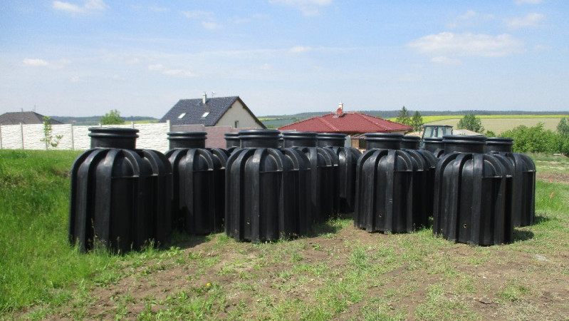 Změna ve způsobu likvidace odpadních vod - velkokapacitní jímka na vyvážení
